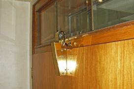Dörrtillslutare är lösningen för slammrande dörrar