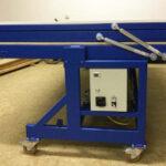 Gas spring teamwork in a vacuum veneer press